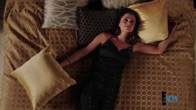 Fashion Trends 2021: Black pants A. L. C. of the Princess Eleanor (Alexandra Park) seen in The Royals Season 4 Episode 1