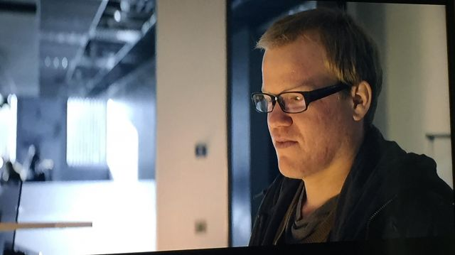 Black sunglasses from Robert Daly (Jesse Plemons) seen in Black Mirror Season 4 Episode 1 - TV Show Outfits and Products