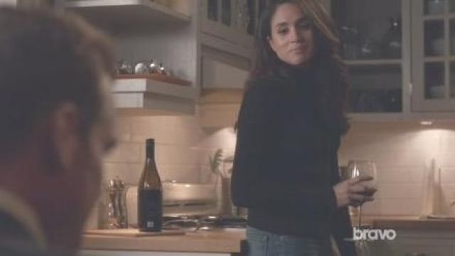 Black sweater turtleneck by Rachel Zane (Meghan Markle) on Suits Season 3E16 - TV Show Outfits and Products