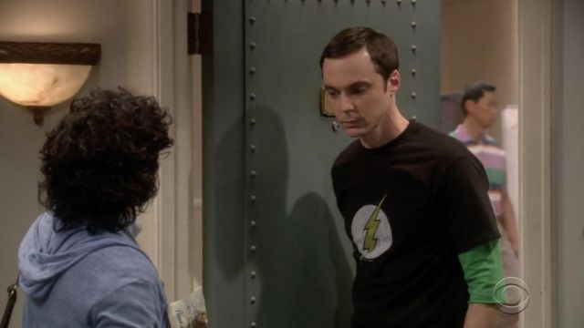 Black t-shirt The Flash outfit worn by Sheldon Cooper (Jim Parsons) seen in The Big Bang Theory S12 Episode 4 - TV Show Outfits and Products
