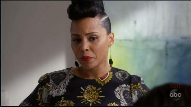 Black top with hearts of Tegan Price (Amirah Vann) seen in the How to get away with Murder (Season 5 Episode 2) - TV Show Outfits and Products