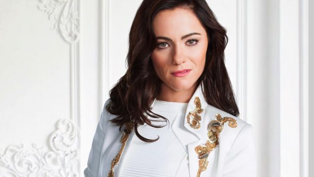 Fashion Trends 2021: Blazer white embroidery gold princess Eleanor Henstridge (Alexandra Park) on the picture promo of season 3 of The Royals