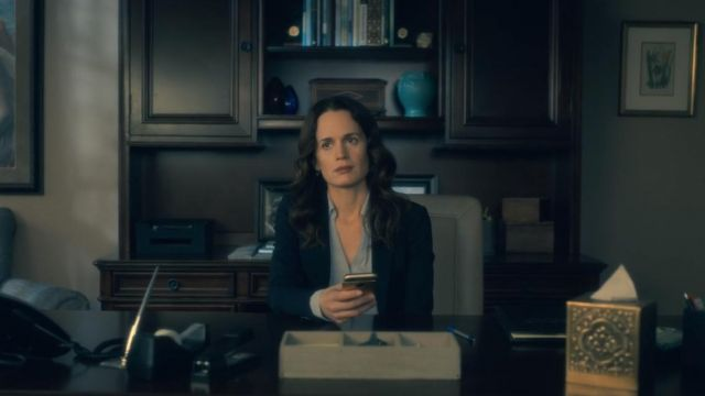 Blouse of Shirley Crain (Elizabeth Reaser) seen in The Haunting of Hill House (Season 1 Episode 1) - TV Show Outfits and Products