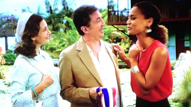 Fashion Trends 2021: Blouse red sleeveless woman's with José and Liliane in Scenes of households : adventures in the tropics of the 12.02.2018