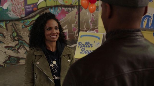 Fashion Trends 2021: Bomber jacket in suede Sabine ( Mekia Cox ) seen in Once Upon A Time Season 7E12