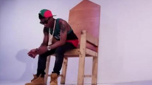 Boots nubuck Timberland in the clip Bombay Wizkid feat. Phyno - Youtube Outfits and Products