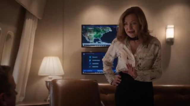 Burberry Chava Sketch Silk Shirt outfit worn by Lorraine Zimmer (Julie White) in Designated Survivor (Season 03 Episode 09) - TV Show Outfits and Products