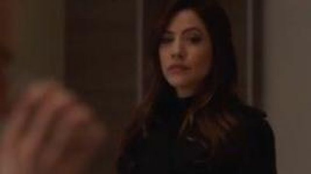 Burberry Trench Coat outfit worn by Andrea Rojas (Julie Gonzalo) in Supergirl Season 05 Episode 06 - TV Show Outfits and Products