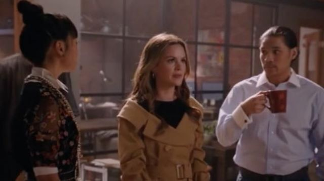 Fashion Trends 2021: Candace Off Shoulder Trench Coat outfit seen on Sam Swift (Rachel Bilson) in Take Two (S01E04)
