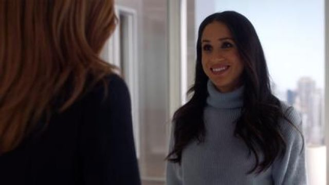 Cashmere sweater sky blue of Rachel Zane (Meghan Markle) on Suits - TV Show Outfits and Products