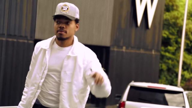 Fashion Trends 2021: Chicago white sox new era grayblack hat outfit worn by Chance The Rapper in Chance the Rapper ft. 2 Chainz & Lil Wayne - No Problem (Official Video)