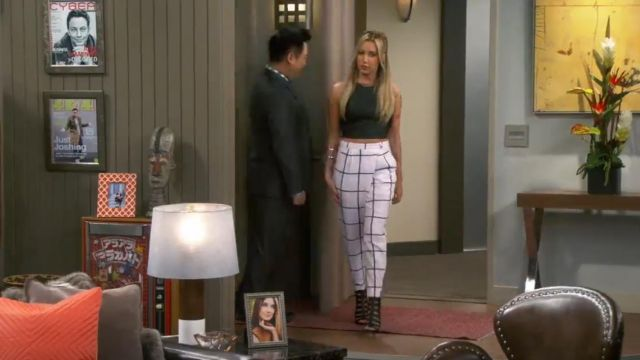 Chloé Checked Crepe Straight Leg Pants outfit worn by Logan Rawlings (Ashley Tisdale) in Young & Hungry (S01E03) - TV Show Outfits and Products