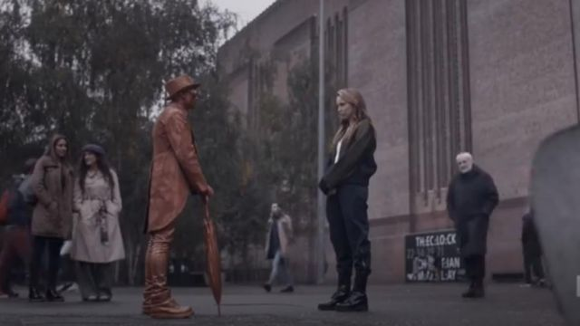 Chloe Cargo Pants  outfit worn by Villanelle (Jodie Comer) in Killing Eve (S02E05) - TV Show Outfits and Products