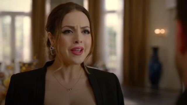 Circle Link Pendant Necklace outfit worn by Fallon Carrington (Elizabeth Gillies) in Dynasty Season 3 Episode 5 - TV Show Outfits and Products