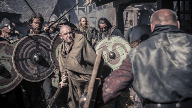 Club viking Beocca (Ian Hart) seen in The Last Kingdom Season 2 Episode 4 - TV Show Outfits and Products