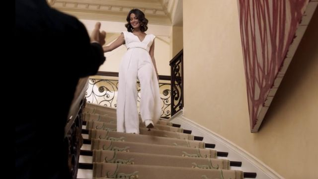 Fashion Trends 2021: Combination of Crystal white Flores Carrington (Nathalie Kelley) seen in Dynasty Season 1 Episode 1