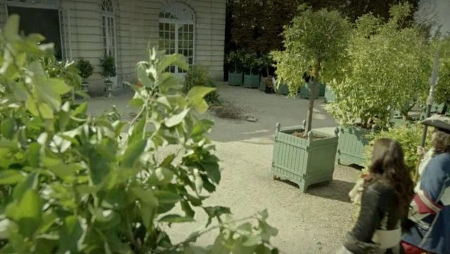 Fashion Trends 2021: Crates at the orange tree in the palace of Versailles in Versailles Season 1 Episode 2