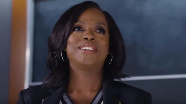 Creoles in silver Annalise Keating (Viola Davis), in Murder Season 5 Episode 1 - TV Show Outfits and Products