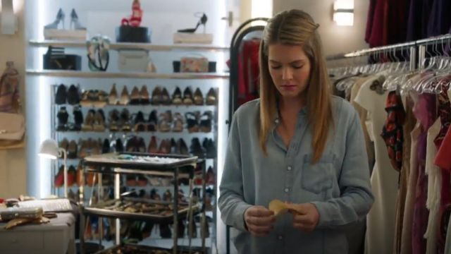 DL1961 Nassau & Manhattan Chambray Shirt outfit worn by Sutton Brady (Meghann Fahy) in The Bold Type (S03E06) - TV Show Outfits and Products