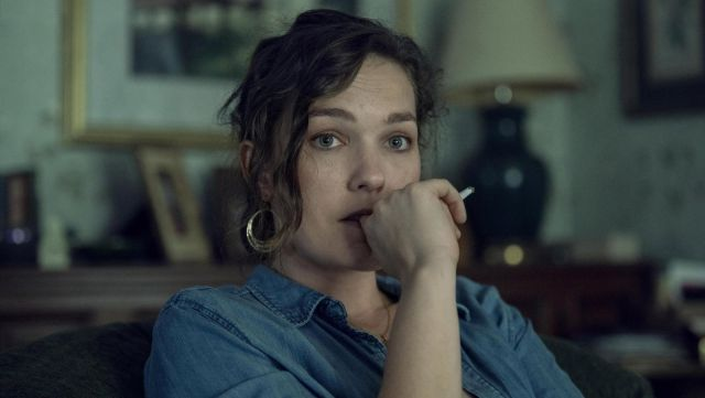 Denim shirt outfit worn by Linda McQueen (Virginia Kull) in NOS4A2 (Season 1) - TV Show Outfits and Products