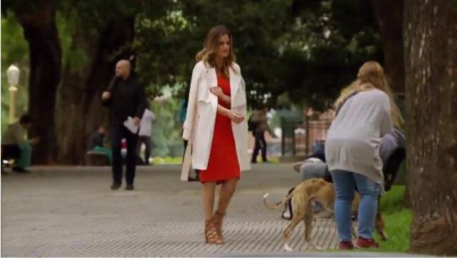 Dolce Vita Lyndon Sandals outfit worn by JoJo Fletcher in The Bachelorette (S12E06) - TV Show Outfits and Products