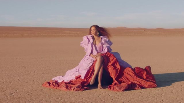 Dress Valentino outfit worn by Beyoncé in her video clip SPIRIT from Disney's The Lion King - Youtube Outfits and Products