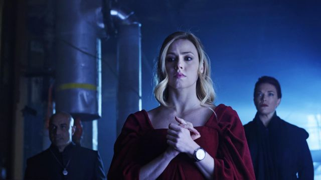 Dress in red velvet, Cassie (Amanda Schull) seen in 12 Monkeys Season 3 Episode 1 - TV Show Outfits and Products