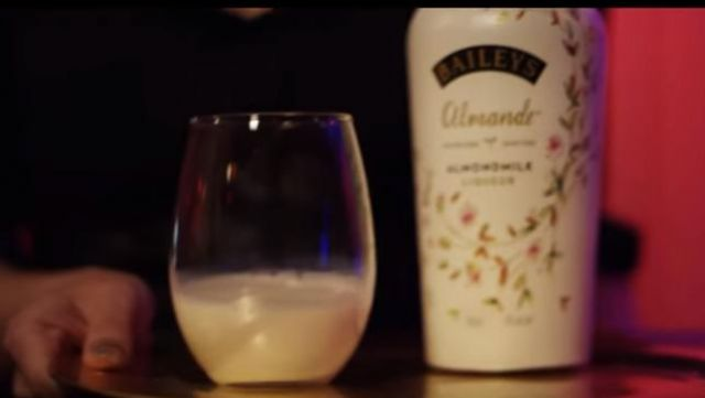 Drink Almond Baileys Almande in the clip Lick Cardi B - Youtube Outfits and Products