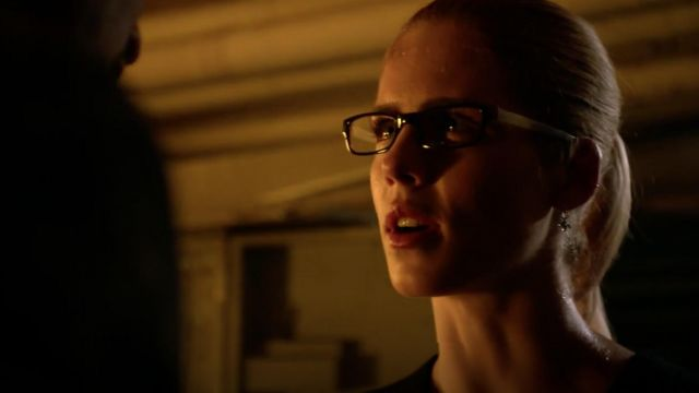 Earrings Peggy Li outfit worn by Felicity Smoak (Emily Bett Rickards) seen in Arrow Season 7 Episode 4 - TV Show Outfits and Products