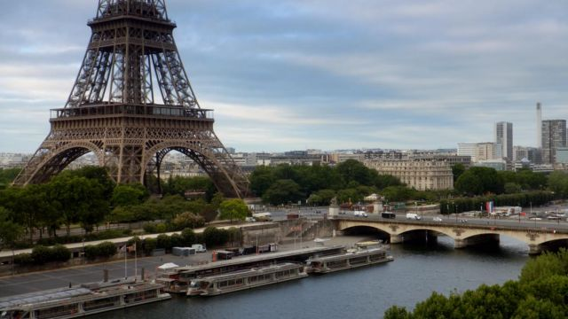 Eiffel Tower and the Pont d'iéna, Paris in the series Jack Ryan Season 1 Episode 2 - TV Show Outfits and Products
