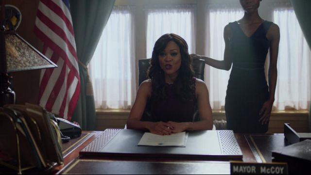 Fashion Trends 2021: Embroidered dress bordeaux from the mayor of Sierra McCoy (Robin Givens) Riverdale Season 2E13