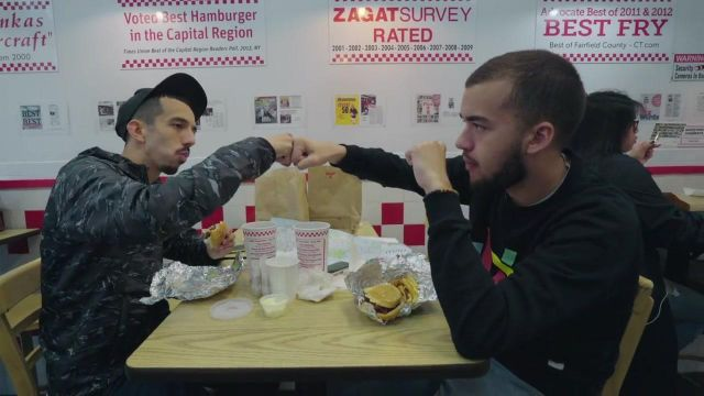 Fast food, Five Guys New York in the clip Then of Bigflo & Oli - Youtube Outfits and Products