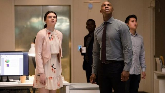 Fashion Trends 2021: Floral dress Wilfred scope by Nia (Nal Nicole Maines) seen in Supergirl Season 4 Episode 4