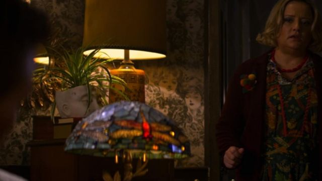 Flower pot with a face in the Spellman in The New Adventures of Sabrina Season 1E10 - TV Show Outfits and Products