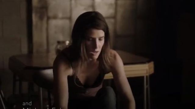 Free people black intimately FP scalloped floral galloon lace racerback bralette outfit worn by Dex Parios (Cobie Smulders) in Stumptown Season 1 Episode 2 - TV Show Outfits and Products