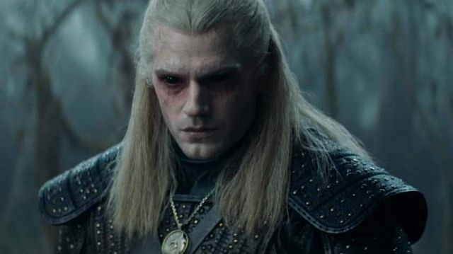Geralt of Rivia Kaer Morhen Shoulder Pauldrons of Geralt of Rivia (Henry Cavill) in The Witcher Season 1 - TV Show Outfits and Products