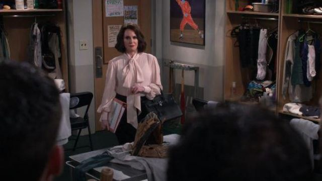 Givenchy Pink Tie Neck Blouse outfit worn by Karen Walker (Megan Mullally) in Will & Grace Season 03 Episode 03 - TV Show Outfits and Products