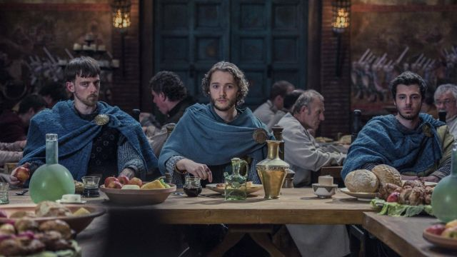 Glasses vikings in The Last Kingdom Season 2 Episode 3 - TV Show Outfits and Products