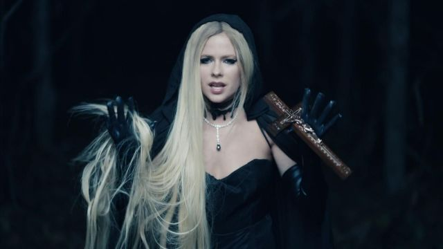 Gloves black leather of Avril Lavigne in her video clip I Fell In Love With The Devil - Youtube Outfits and Products