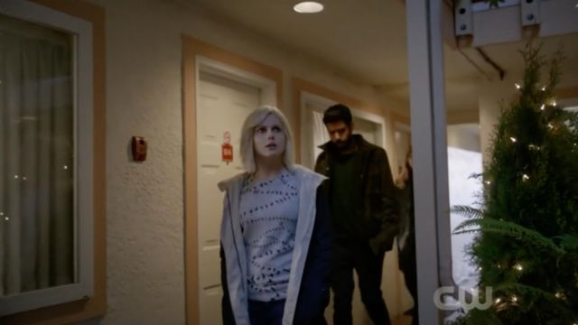 Gray sweater printed birds Equipment of Liv Moore (Rose McIver) seen in iZombie Season 4E13 - TV Show Outfits and Products
