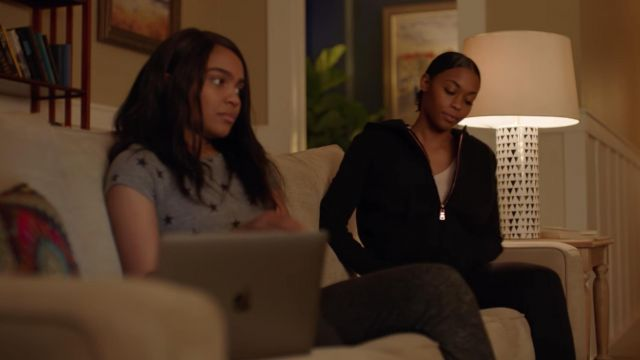 Gray t-shirt with star Alternative outfit worn by Jennifer Pierce (China Anne McClain) seen in Black Lightning Season 1 Episode 9