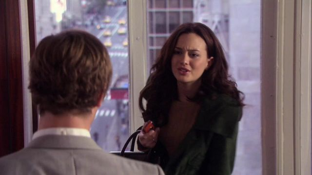Fashion Trends 2021: Green jacket in suede from Blair Waldorf (Leighton Meester) seen in Gossip Girl Season 1E10