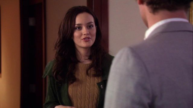 Fashion Trends 2021: Green jacket outfit worn by Blair Waldorf (Leighton Meester) seen in Gossip Girl Season 1E10
