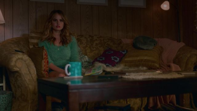 Green sweater mint outfit worn by Patty Bladell (Debby Ryan) seen in the Insatiable Season 1 Episode 1 - TV Show Outfits and Products