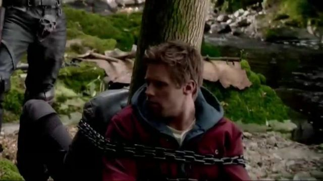 Grey hoodie outfit worn by Adam Strange (Shaun Sipos) as seen in Krypton (S02E02) - TV Show Outfits and Products