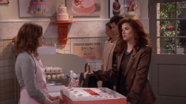 Gucci Dionysus Medium leather shoulder bag outfit worn by Grace Adler (Debra Messing) in Will & Grace (S01E14) - TV Show Outfits and Products