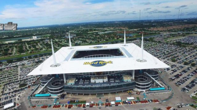 Hard Rock Stadium in Miami in Ballers Season 3 Episode 7 - TV Show Outfits and Products
