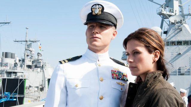 Fashion Trends 2021: Hat of commander Tom Chandler (Eric Dane) seen in The last ship