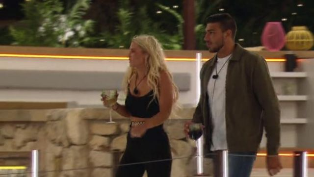 I Saw It First Black Chain Detail Strap Crop Top outfit worn by Lucie Donlan in Love Island (Season 05 Episode 12) - TV Show Outfits and Products