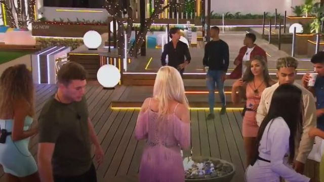 I Saw It First Rose Pink Lace & Fringe Cold Crochet Shoulder Dress outfit worn by Amy Hart in Love Island (S05E15) - TV Show Outfits and Products